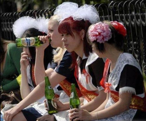 Каковы причины алкоголизма среди молодых людей